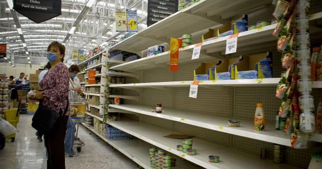 1280px-Mexico_City_Empty_Shelves_in_a_Supermarket_Swine_Flu%20%281%29.jpg