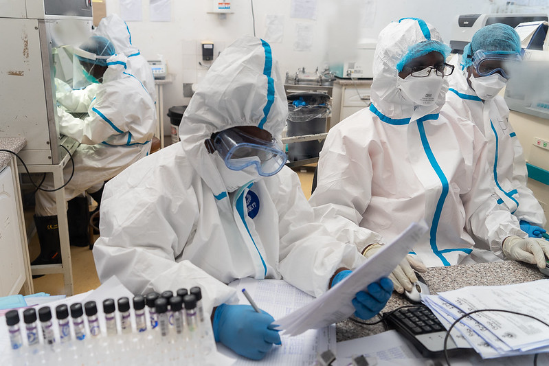 Health workers in action at the Mpilo Central Hospital Covid19 Testing laboratory.  Bulawayo, 25 April 2020.  Credit photo : KB Mpofu / ILO