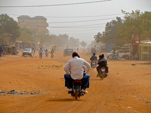 27-07-2016-burkina-faso-scooter-590x393.jpg