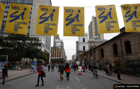 07-10-2016-Colombia-si-banners-590.JPG