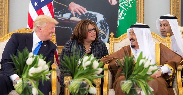01.06.2017-trump-in-saudi-arabia-590.jpg