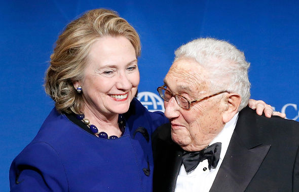 01.10.2016-KIssinger-and-clinton-590.jpeg