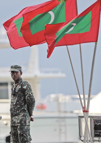 30_maldives-smaller.jpg