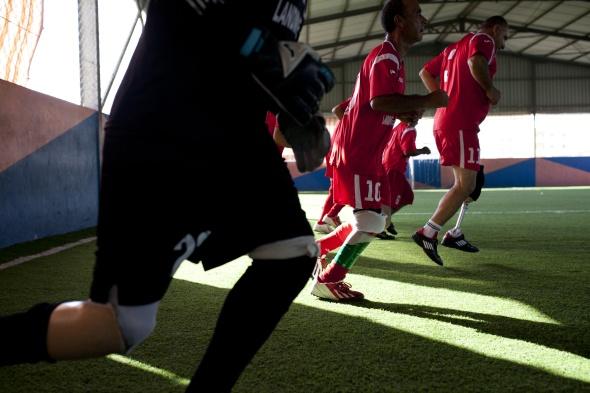 descriptive essays about football games
