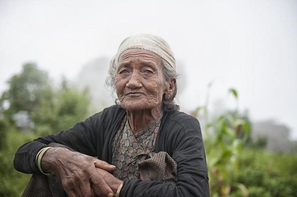 20.12.15-nepal-woman-590.jpg