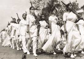 Women volunteers preparing to fight the West Pakistani army in 1969.
