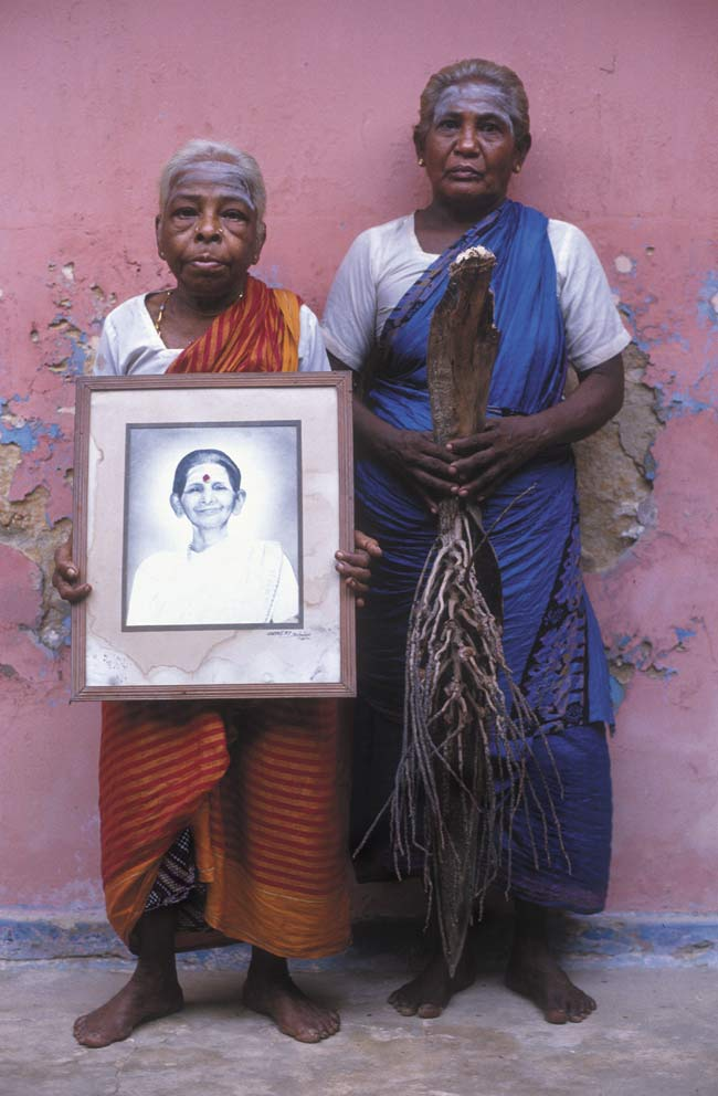 --Women from an Ashram in Thondamanaru-- Photo © Dominic Sansoni, Sri Lanka.