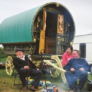 Down time at the Stow-on-the-Wold horse fair in the UK. Many Gypsies, Roma and Travellers have been left without basic services during the Covid-19 pandemic.  ADRIAN SHERRATT / ALAMY