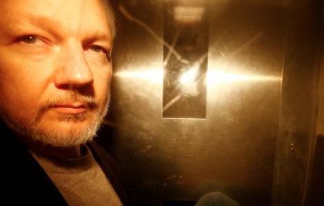 WikiLeaks founderJulianAssangeleaves Southwark Crown Court after being sentenced in London, Britain, May 1, 2019. REUTERS/Henry Nicholls