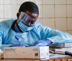 Dr Asamte Fidel is one of the local Sierra Leonean doctors working at Connaught Hospital. The hospital was on the frontline of the Ebola epidemic when it hit in Freetown, Sierra Leone. Credit: Simon Davis/DFiD