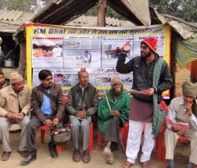 KM Bhai conducting an RTI Workshop at his tea stall.Credit:KM Bhai